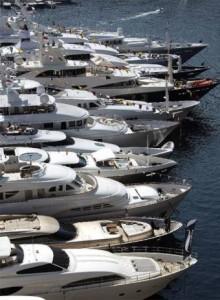 Yates  atracados en el puerto deportivo de Montecarlo